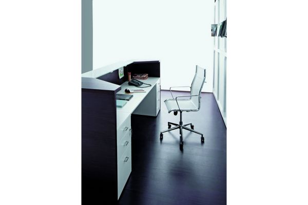 arredo-ufficio-reception-02-miro-79CD3DDAD-1A91-439A-2AC3-8345FAF8ECF6.jpg